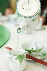 Tee mit den richtigen Tee-Accessoires genießen