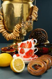Tee aus Samowar genießen